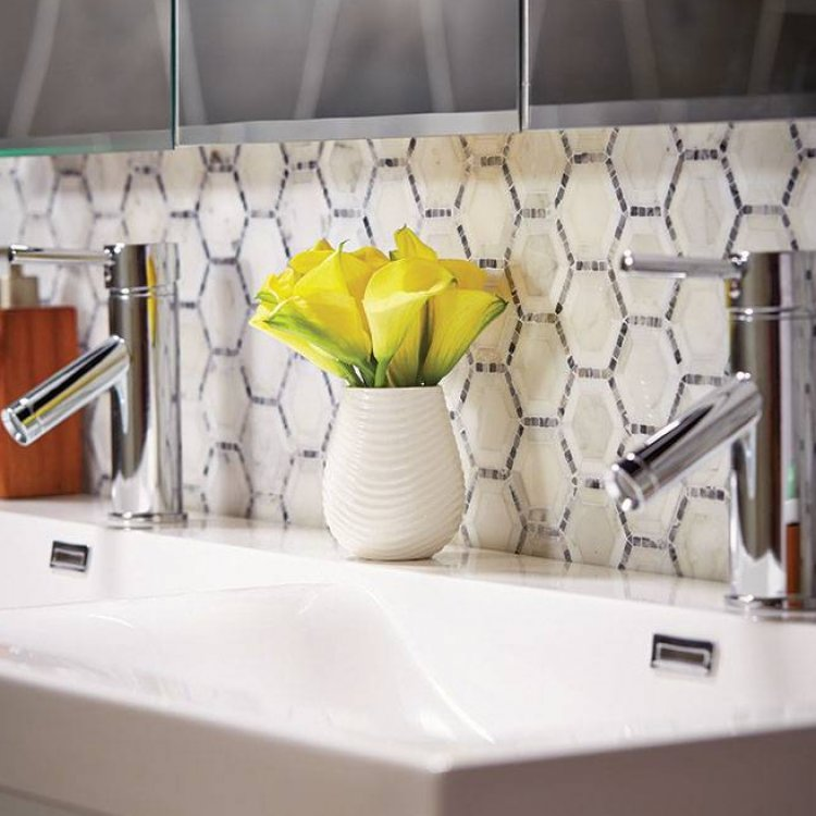 Arebescato Hexagon kitchen back-splash